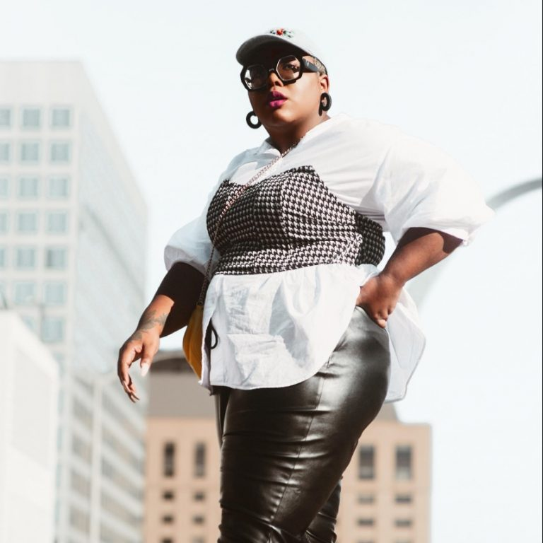 Style Guide: Two Ways to Style Houndstooth for Fall!