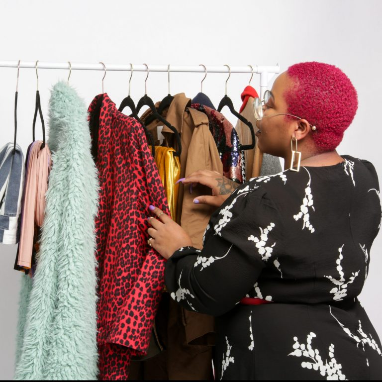 Stylist Corner: 7 Tools Every Fashion Stylist Needs to Be Successful!