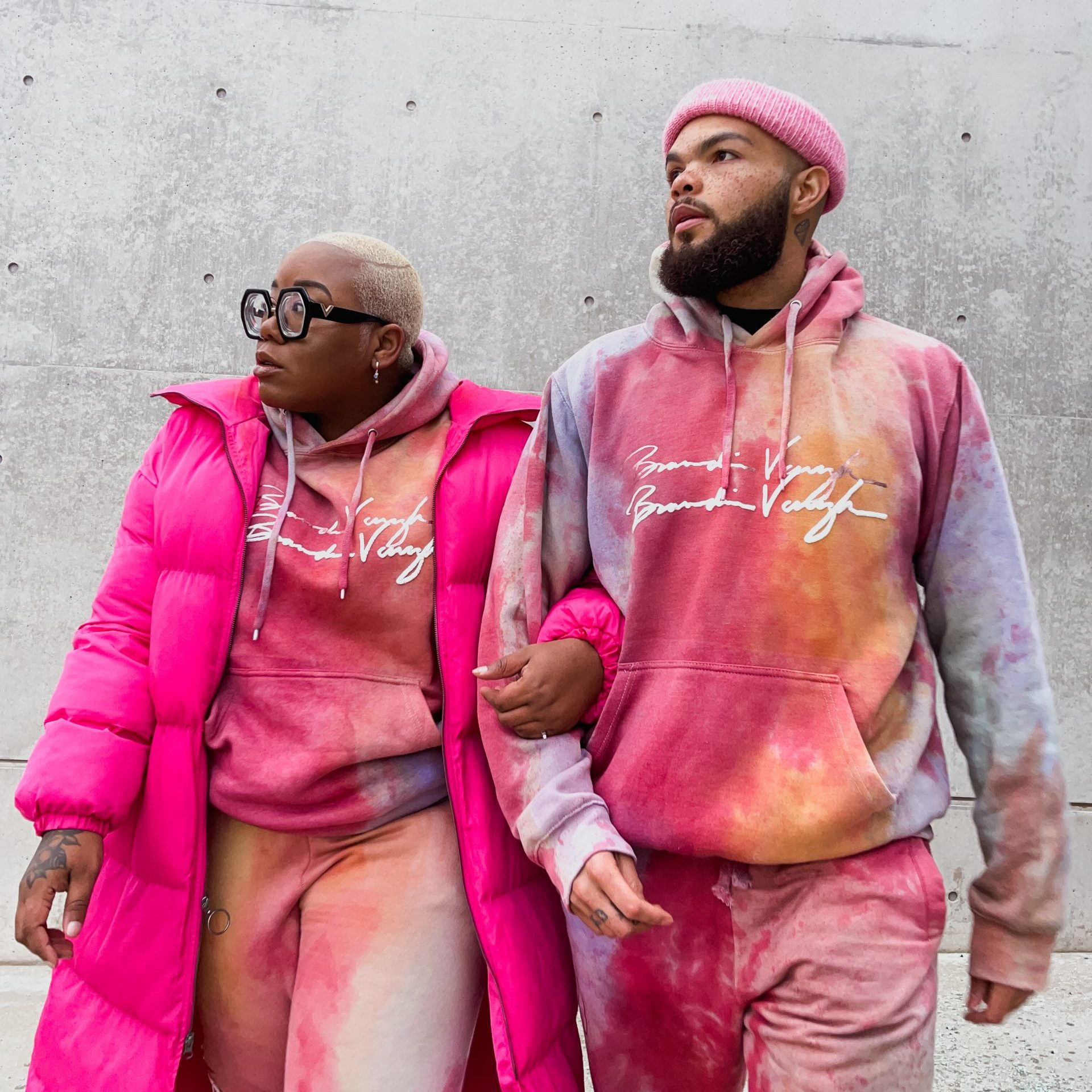 fashion blogger Tie Dye Sweatsuits are the New Trend! how to wear a unisex sweatsuit black fashion influencer fashion stylist ak brown stl bryant finerson